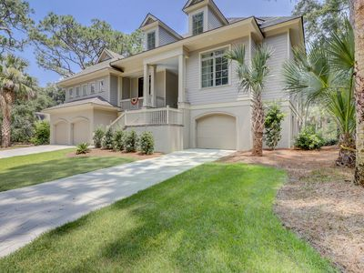 Brand New Luxury 5 BR Sea Pines Home 4th Row Fri to Fri Check In Private Pool Hot Tub Stainless