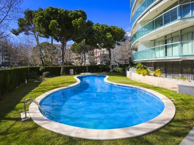 Photo for LUNA with communal pool. Beach at 200m