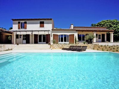 Photo for Spacious luxury villa with private swimming pool in the heart of the Provence.