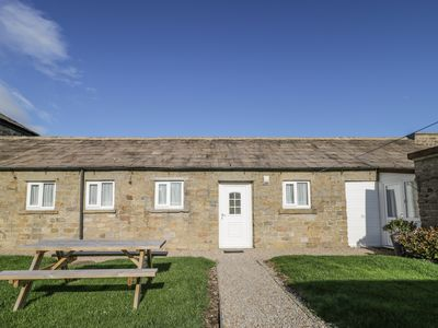 Photo for THE STABLES, pet friendly, with a garden in Masham, Ref 920052