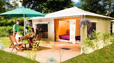 Photo for Camping Chateau La Foret **** - Canvas bungalow Caribbean 3 rooms 5 persons