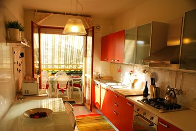 Apartment Sole: The fully furnished kitchen