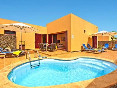 Photo for Holiday homes Viviendas Vacacionales Sol Deluxe, Corralejo  in Fuerteventura - 6 persons, 3 bedrooms