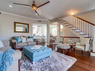 Bright 1735 SF  Town Home. Centrally Located  From  the Bay to the Sea in min.'s