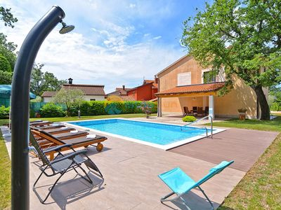 Photo for Apartment 1089/9300 (Istria - Porec), Family holiday, 2000m from the beach