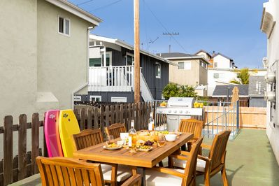 Shared outdoor area. Fire up the grill!