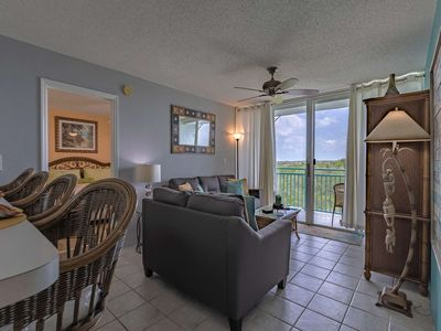 Photo for Lovely Condo with Private Balcony, Shared Pool/Hot Tub & Minutes to Duval Street or Smather's Beach