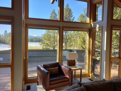 Photo for 12 Hickory Lane: 4 BR / 3.5 BA home in Sunriver, Sleeps 10