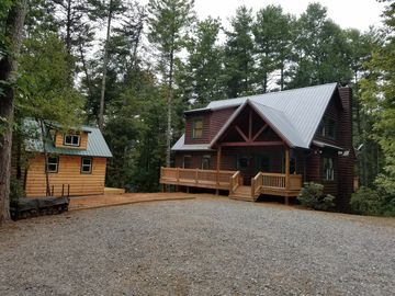 Luxury, Pet Friendly Mountain Cabin On 7 Secluded Acres