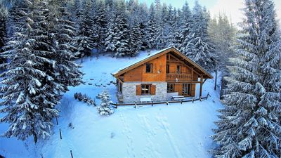 Photo for MAGNIFICENT CHALET **** LA BUISSONNIERE, quiet, heart of resort, near the slopes