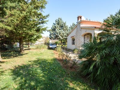 Photo for Holiday house with garden terrace and barbecue