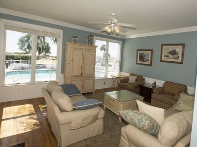 Photo for Cozy Oceanfront and Pool front Beach Residence