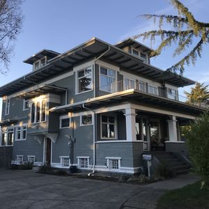 Photo for Beautiful 1908 Grand Craftsman 5000+ sq. ft. living space.