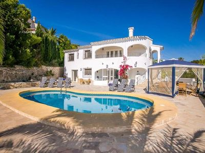Photo for Detached villa with private pool and beautiful views of the valley