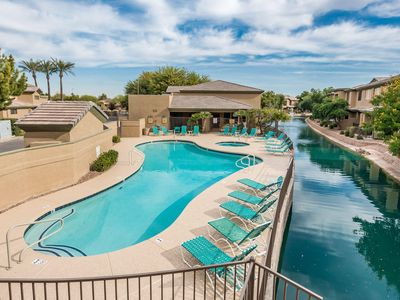 Photo for Gorgeous Luxury Condo (hardwood/granite/all renovated) on Water in Ocotillo area