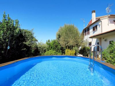 Photo for 2 bedroom Villa, sleeps 6 with Pool and FREE WiFi