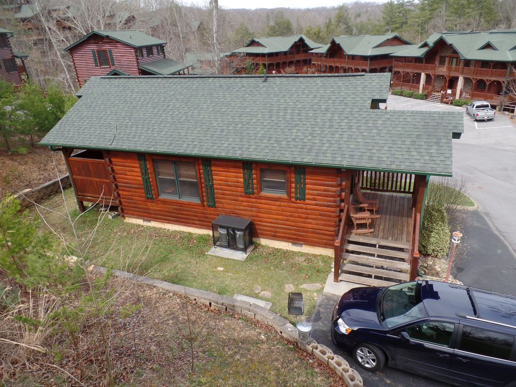 Romantic 1 Bedroom Cabin Gatlinburg Smoky Mountain National Park Pittman Center Tennessee