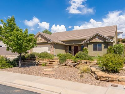 Photo for Huge home and yard! 9 beds to choose from! Private putting green!