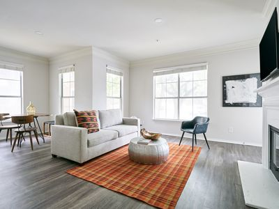 Photo for Sonder | South Congress | Airy 1BR + Balcony