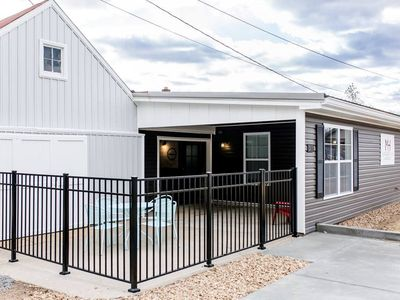 Mozart House - Unique 3 bed 3.5 Bath House with Spectacular Outdoor Space in Downtown Hermann, MO
