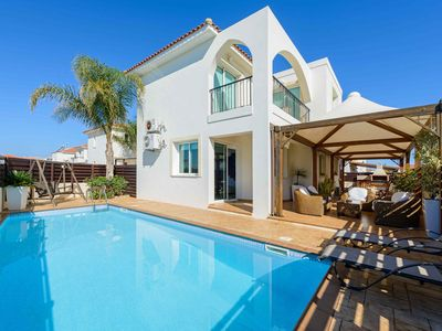 Photo for 3 bedroom well furnished villa with private swimming pool located in Pernera.