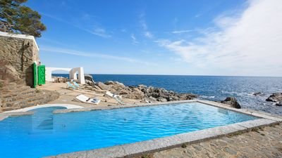 Photo for House for 12 people with beautiful views of the sea, private pool and parking.