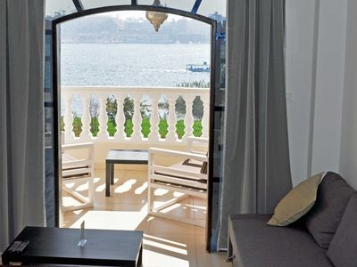 Photo for Perfectly located modern apartment with stunning views on the Nile