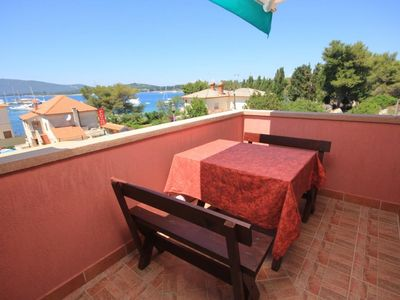 Photo for One bedroom apartment with terrace and sea view Ilovik (Lošinj)