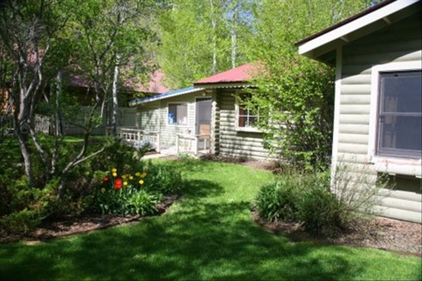 Riverfront log cabin in small historic mountain town for Mountain cabin rentals colorado
