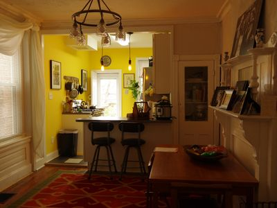 Photo for Lovely, little Philly rowhome with all the fixins'