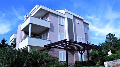 Photo for Three-Bedroom Apartment with Beautiful Sea View