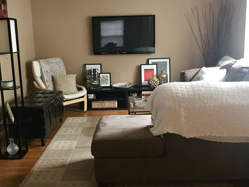 Private 3 bedroom ranch near downtown Royal Oak