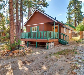 Photo for Cozy Pines Retreat - FREE Kayak/Bike Rental! - Studio/1BA/Netflix/WiFi
