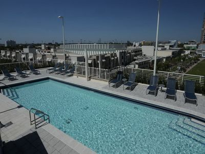 Photo for Outstanding Midtown Apartment/Minutes to Beach/Free Parking/ Pool/Busy Area