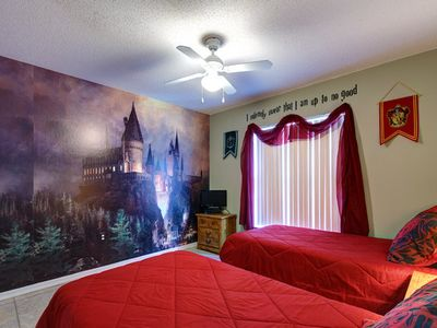 Hogwarts Bedrrom. Bed configuration is now a double with single bunk