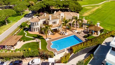 Photo for A superb and luxurious five bedroom villa located at the resort of Vale do Lobo