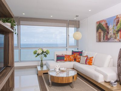Photo for Elegant High Rise with Stunning Ocean Views