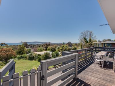 Photo for Family Friendly & Air Conditioned house in Dromana Preview listing Show calendar
