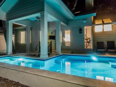 Photo for Heated Pool with Swim up Bar Short bike to beach Sea Pines Location
