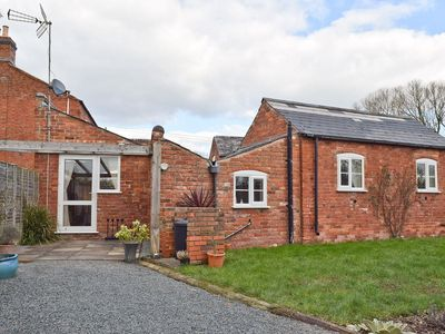 Photo for 1 bedroom property in Malvern. Pet friendly.