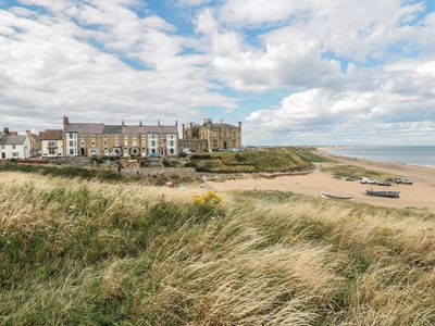 Photo for LARKSBAY VIEW, pet friendly in Marske-By-The-Sea, Ref 985343