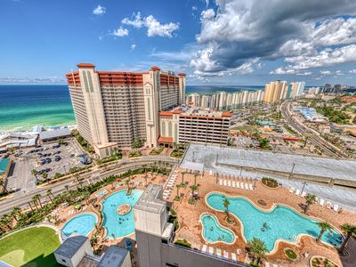 Photo for Resort condo w/ five shared pools, a hot tub, beach access, & on-site dining