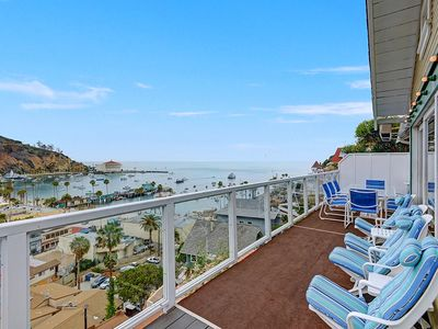 Photo for 5 Bdrm Home, Vaulted Ceilings, Amazing 180 Degree Ocean View - 176 Middle Terrac