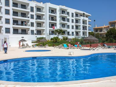 Photo for 1 Bedroom Apartment in Olhos de Agua, Vistas das Ondas, near beach, Free Wi-Fi