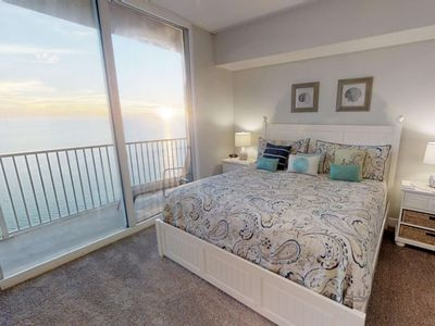 Photo for Gulf Front Master located on the 28th floor, free Wifi, indoor pool and spa 1/2 mile to Pier Park.