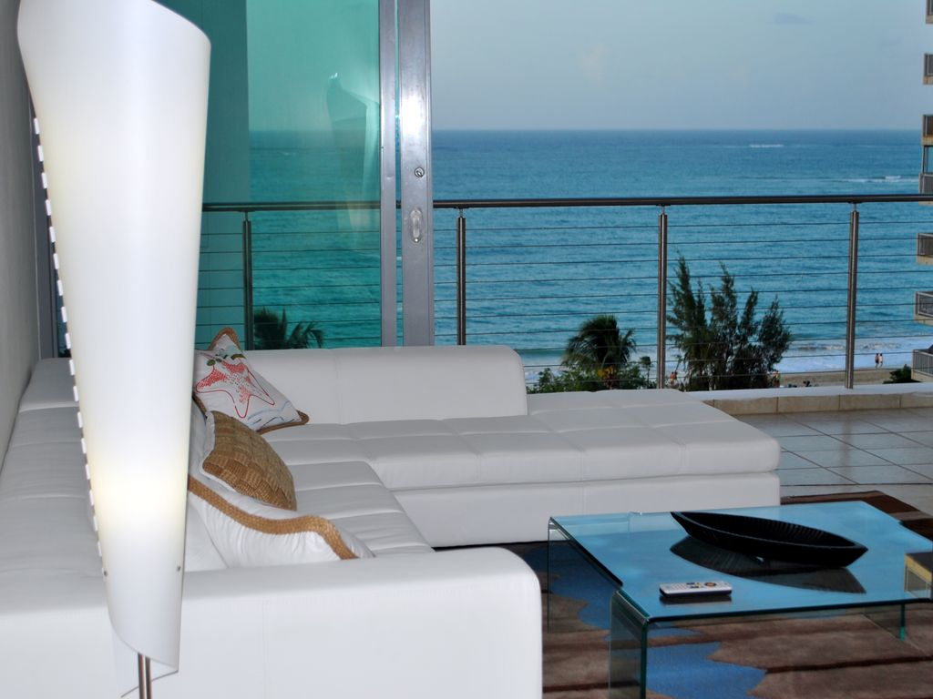 Stunning luxury beach front Sub Penthouse.... - HomeAway Isla Verde
