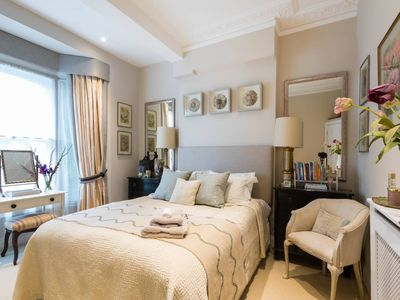 Photo for Gorgeous 2 Bed Fulham Flat with Garden