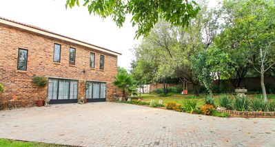 Photo for Cozy & Modern 2-bed Apartment in Centurion