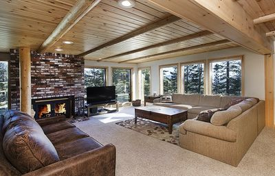 Photo for Premium 2 Bedroom 2.5 Bath Corner Unit with Outstanding Views - Ski In Ski Out
