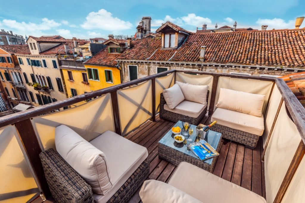 Splendid Altana Roof Terrace Offering Exc Homeaway